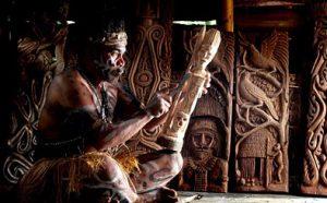 contoh seni ukir suku asmat